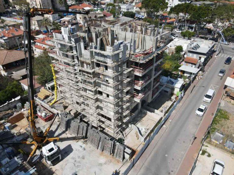 בר ביצוע קבלן בניין - דירות מקבלן ברחובות - רמבם 109 תמונה 01 של תהליך הבנייה - מסיימים קומה 4