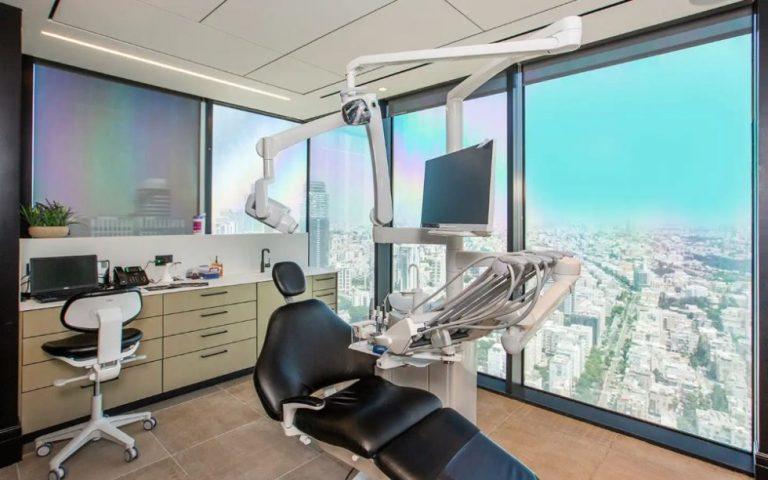 בר ביצוע - יזמות ונדל״ן - קבלן גמר במרכז לטיפולי חניכיים והשתלות שיניים