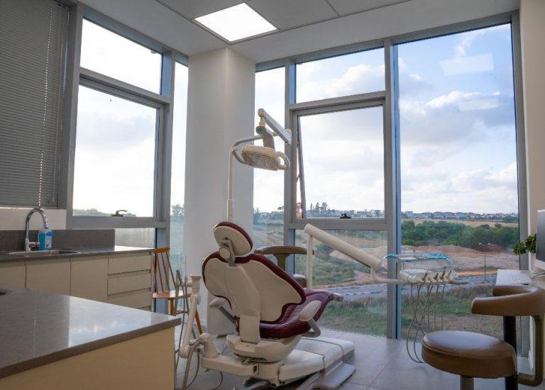 בר ביצוע קבלן גמר | תמונה ממרפאת השיניים של ד״ר גלעד בן גל 03