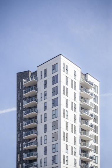 בונים בניינים: מה צריך לדעת על תהליך בניית בניין מגורים חדש?